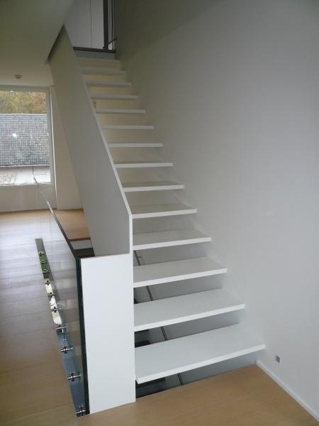 Trappen in metaal of inox bouwsmederij no l - Moderne metalen trap ...