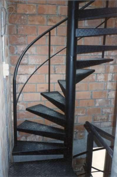 Metalen trap trappen bouwsmederij noel bvba for Spiltrap berekenen