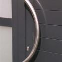 RVS deurgreep in dikke buis.