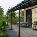 Een open veranda of luxe-afdak.