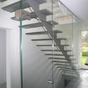 Trap met één trapwang, achterzijde.